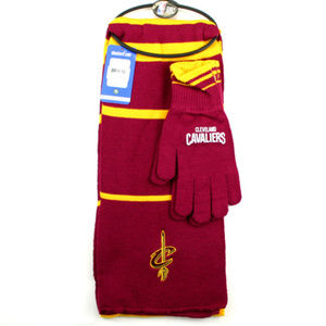 CLEVELAND CAVALIERS SCARF & GLOVES GIFT SET NEW